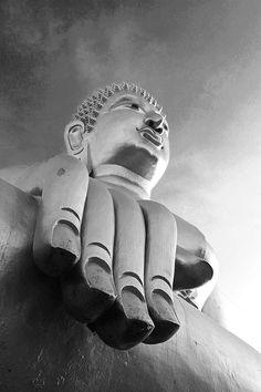 monochrom GOLD BUDDHA in Pattaya Millie_art photo 2016   #buddha #thaiphoto #travelphoto #thailand