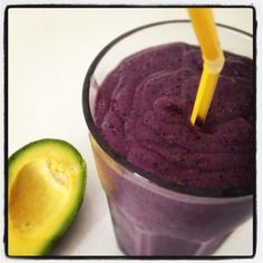 Blueberry Avocado Smoothie - with Spirulina Great for breakfast! * 1 cup almond milk * 0.5 avocado * 2/3 cup blueberries * 1 tsp spirulina * 0.5 tbs chia seeds * 1 tsp natural peanut or almond butter