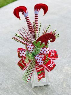 Elf Christmas Tree, Elf Decorations, Grinch Christmas Decorations, Christmas Table Centerpieces, Christmas Lanterns, Christmas Swags, Christmas Tree Toppers, Rustic Christmas, Holiday Decor