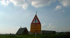 Voutje: 14 geinige taalfouten in Nederlandse verkeersborden | Slechte grappen