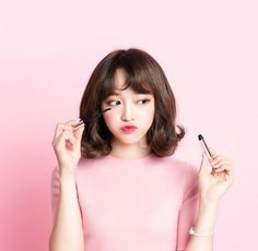 2018 Edition: 11 K-Beauty and Makeup Trends that are taking over . Beauty Trends 2019 new k beauty trends Makeup Trends, Beauty Trends, Kim Sejeong, Korean Products, Korean Bands, K Beauty, Beauty Industry, Korean Skincare, Korean Beauty