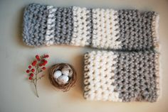 Long Arm Warmers / Alpaca / Grey and White / di TheSlowCatwalk, €25.00