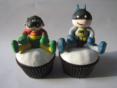 Tiny Titans Batman and Robin Cupcakes by clevercupcakes, via Flickr
