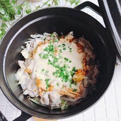 フライパンでもOK♡豚バラもやしのキムチーズ蒸し! by Mayu*さん | レシピブログ - 料理ブログのレシピ満載! おはようございま〜す!連休明けですが、我が家は本日ようやく・・・ようやく・・・・延期を重ねた運動会が決行されますので、朝から子供達のお弁当を作りまして、母も観戦に行ってきますよー!さて、今日のレシピで...