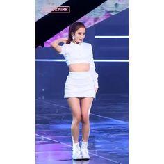 Solo Dance Video, Dance Choreography Videos, Dance Videos, Jungkook Dance, Foto Jungkook, Jisoo Do Blackpink, Kim Jisoo, Kim Jennie, Black Pink Dance Practice