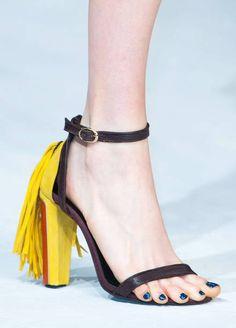 Zapatos, los Zapatos de Patricia - El Blog de Patricia : ¡Qué viva España! ¡Se lleva el rojo y amarillo en los zapatos! ¿Posible tendencia?