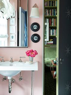 kate-rheinstein-brodsky-krb-nyc-okl-habituallychic - cool bathroom with pink walls. Love the console sink. One Kings Lane, Small Bathroom, Master Bathroom, Bathroom Ideas, Bathroom Marble, Bathroom Makeovers, Bathroom Fixtures, Bathroom Inspiration, Design Inspiration
