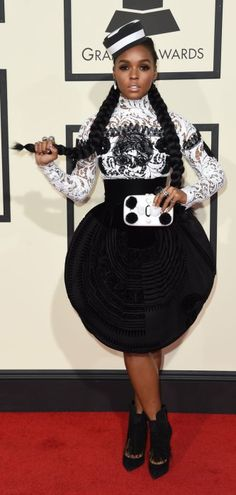 #Janelle-Monae - grammy-awards-2016-red-carpet-71