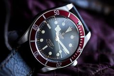 Thinking of buying a new watch? Read this article first. Maybe it will help you: http://www.moderngentlemanmagazine.com/buying-watches/