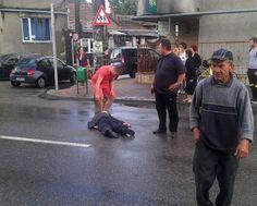 LugojOnline - Accidentat dupa ce a cazut de pe moped. Un lugojean beat, luat de ambulanta din mijlocul strazii