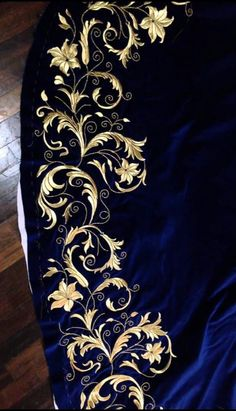 1 million+ Stunning Free Images to Use Anywhere Tambour Embroidery, Embroidery Suits, Gold Embroidery, Hand Embroidery Designs, Embroidery Stitches, Embroidery Patterns, Machine Embroidery, Gold Work, Fabric Painting