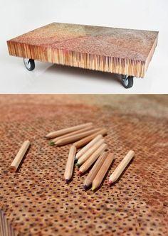 Tweelink pencil table