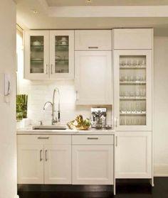kleine komplett weiße Küche einrichten Designs