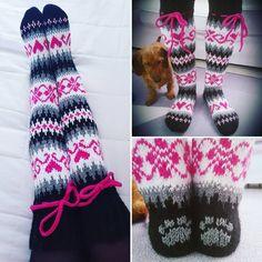 Photo by SesSukka in Imatra. Wool Socks, Knitting Socks, Peyote Triangle, Knit Crochet, Crochet Hats, Sock Toys, How To Purl Knit, Fingerless Gloves, Mittens