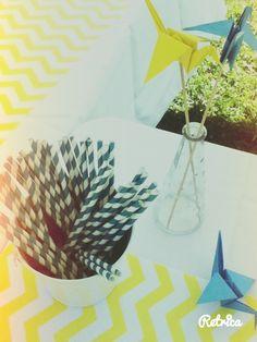 DAY 100 : En jaune et bleu. #WeddingPlanner #DECO #CRANESEVERYWHERE