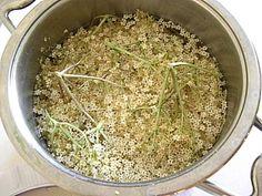 Sezóna bazy sa začala: Bazový sirup a iné dobroty  Naničmama.sk How To Dry Basil, Ale, Herbs, Homemade, Drinks, Gardening, Food, Syrup, Drinking
