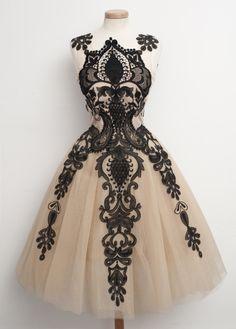 Foret Noir dress available on www.chotronette.com