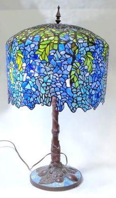 shopgoodwill.com: Elegant Wisteria Tiffany Style Table Lamp