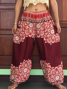 Plus Size Mens Casual burgundy lightweight summer trousers womens Harem Yoga long with side pocket waist elastic Fashion Pants, Women's Fashion Dresses, Plus Size Ivory Dresses, Balloon Pants, Boho Fashion Summer, Boho Inspiration, Plus Size Kleidung, Bohemian Mode, Girls Pants