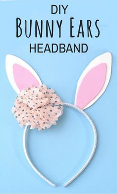 Get in the Easter spirit with this easy no sew DIY Bunny Ears Headband. This easy bunny headband craft is perfect for boys and girls alike, as the flower can be left out or replaced with a little top hat! Headband Crafts, Diy Baby Headbands, Ear Headbands, Easy Sewing Projects, Sewing Projects For Beginners, Sewing Hacks, Sewing Tips, Diy Projects, Bunny Ears Headband
