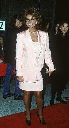 <a href='/name/nm0000047/?ref_=m_nmmi_mi_nm'>Sophia Loren</a> at event of <a href='/title/tt0110907/?ref_=m_nmmi_mi_nm'>Prêt-à-Porter</a> (1994)