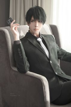 He gave me Jumin's vibe at first but they're completely different/// I had lots of fun shooting this despite he's a serious character XD Photographer Cosplay Anime, Epic Cosplay, Male Cosplay, Amazing Cosplay, Cosplay Outfits, Handsome Anime, Handsome Boys, Jumin X Mc, Pose Reference Photo
