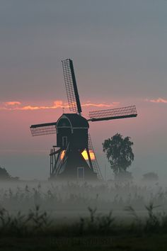 Morning mill - Herwijnen, The Netherlands