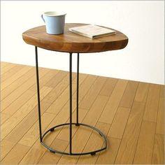 アイアンとウッドのリーフテーブル