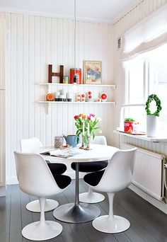 small, but charming dining space