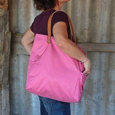 Bolsos de asa larga -  Bolso shopping bag impermeable - Rosa - Maxibolso - hecho a mano por LoLahn-Handmade en DaWanda