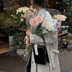 ·:*¨༺radishrice༻¨*:·. Flower Aesthetic, Japanese Aesthetic, Beige Aesthetic, Aesthetic Vintage, Aesthetic Fashion, No Rain, Aesthetic Pictures, My Flower, Pretty Flowers