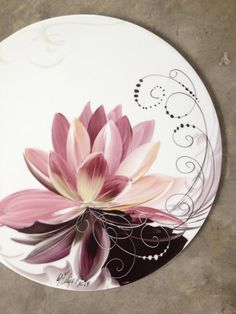Painted Ceramic Plates, Hand Painted Ceramics, Porcelain Ceramics, Ceramic Pottery, Pottery Painting, Ceramic Painting, Ceramic Art, Plate Art, China Painting