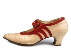 Shoe-Icons / Shoes / Lady's white kidskin shoes with red skin applique along the edge and on the strap 1920 1920s Shoes, Vintage Shoes, Vintage Outfits, Jeanne Lanvin, Style Année 20, Icon Shoes, Jean Patou, Old Shoes, Flapper Style