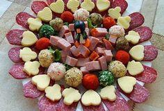 Укрась праздничный стол шикарной нарезкой! Такое оформление гарантированно удивит твоих гостей.