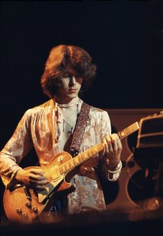 Mick Taylor on the Rolling Stones 1973 European Tour. Photo by Michael Putland