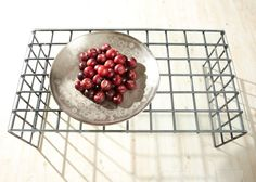 Pretty Round Cosina Tray and Wire Cooling Rack