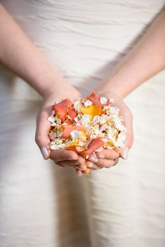 Confetti trends for autumn/winter 2016 Rose Petal Confetti, Wedding Confetti, Rose Petals, Biodegradable Confetti, Biodegradable Products, Fall Winter, Autumn, Chic Wedding, Wedding Ideas