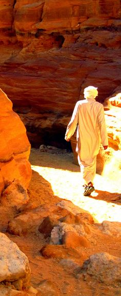 A young Bedouin man makes his way through the tight passageways Sinai Peninsula, Sharm El Sheikh, Visit Egypt, Nile River, Giza, World Of Color, Luxor, Beach Resorts, Beautiful World