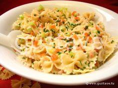 Salade de pâtes au saumon fumé et au concombre croquant