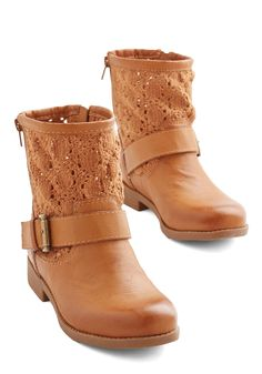 Love the Way You Groove Bootie. Hit the music-fest scene in these caramel booties from Dolce by Mojo Moxie and youll find your own crowd of fans! #tan #modcloth