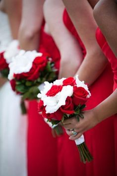 Weddings - A truly charming and exciting info on wedding examples. romantic weddings theme classic example pinned on this date 20190330 wedding reference 6307096159 Gold Bouquet, Bridesmaid Bouquet, Wedding Bridesmaids, Flower Bouquets, Bridesmaid Dresses, White Roses Wedding, White Wedding Bouquets, Bridal Bouquets, Wedding Flowers