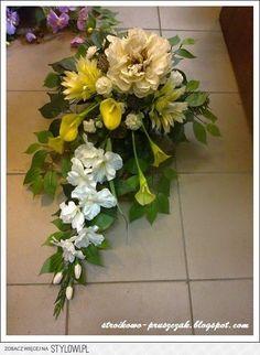 Funeral Floral Arrangements, Creative Flower Arrangements, Church Flower Arrangements, Grave Decorations, Flower Decorations, Corona Floral, Casket Sprays, Cemetery Flowers, Sympathy Flowers