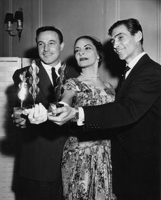 Kelly received a 1958 Dance Magazine Award along with ballet icons Alicia Alonso and Igor Youskevitch (via Dance Magazine).