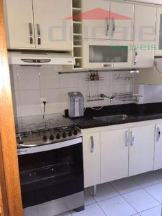 JARDIM CAMBURI - Apartamento 3 quartos, com suíte, armários nos quartos, banheiros