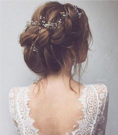 Adorable Spring And Summer Wedding Hairstyles Ideas With Flowers 12