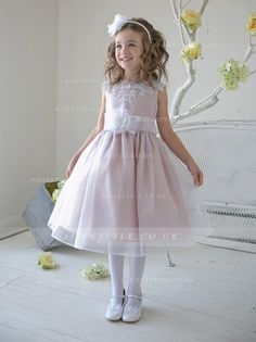 £69.99 Lace Sleeveless Organza Flowergirl Dresses with Sash