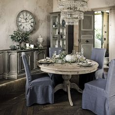 home decor kitchen Dining Table Makeover, Home Decor Kitchen, French Inspired Decor, Shabby Decor, Shabby Chic Living Room Rustic, Home Decor, Country Style Interiors, Home Interior Design, Vintage Dining Room