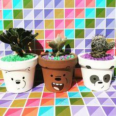 Plant Crafts, Flower Pot Crafts, Clay Pot Crafts, Diy Home Crafts, Garden Crafts, Painted Plant Pots, Painted Flower Pots, Flower Pot Design, Decorated Flower Pots