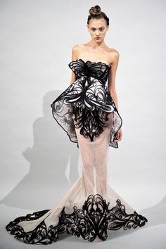 Marchesa Spring 2011 RTW - Review - Fashion Week - Runway, Fashion Shows and Collections - Vogue - Vogue