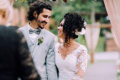 Curly Bridal Hair, Daniel Alves, Wedding Dresses, Fashion, Boho Wedding, Dream Wedding, Santa Catarina, Trusting People, Small Weddings